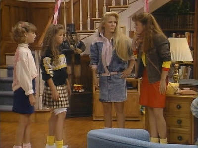 Full House Christmas Episodes.Full House 1987 S02e14 Little Shop Of Sweaters Summary