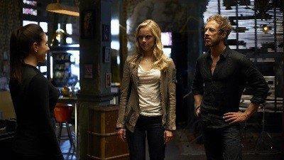 Lost Girl (S03E01): Caged Fae Summary - Season 3 Episode 1 Guide