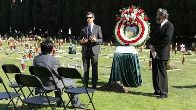 Nathan For You (S02E05): Dumb Starbucks Summary - Season 2