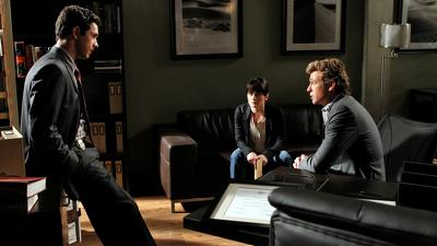 The Mentalist (S04E23): Red Rover, Red Rover Summary