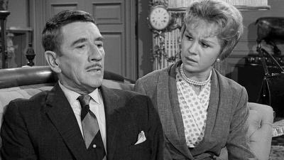 The Twilight Zone (1959) (S02E06): The Eye of the Beholder